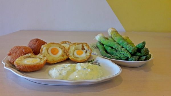 4 Smoked Haddock Scotch Quail Eggs served with Mayonnaise