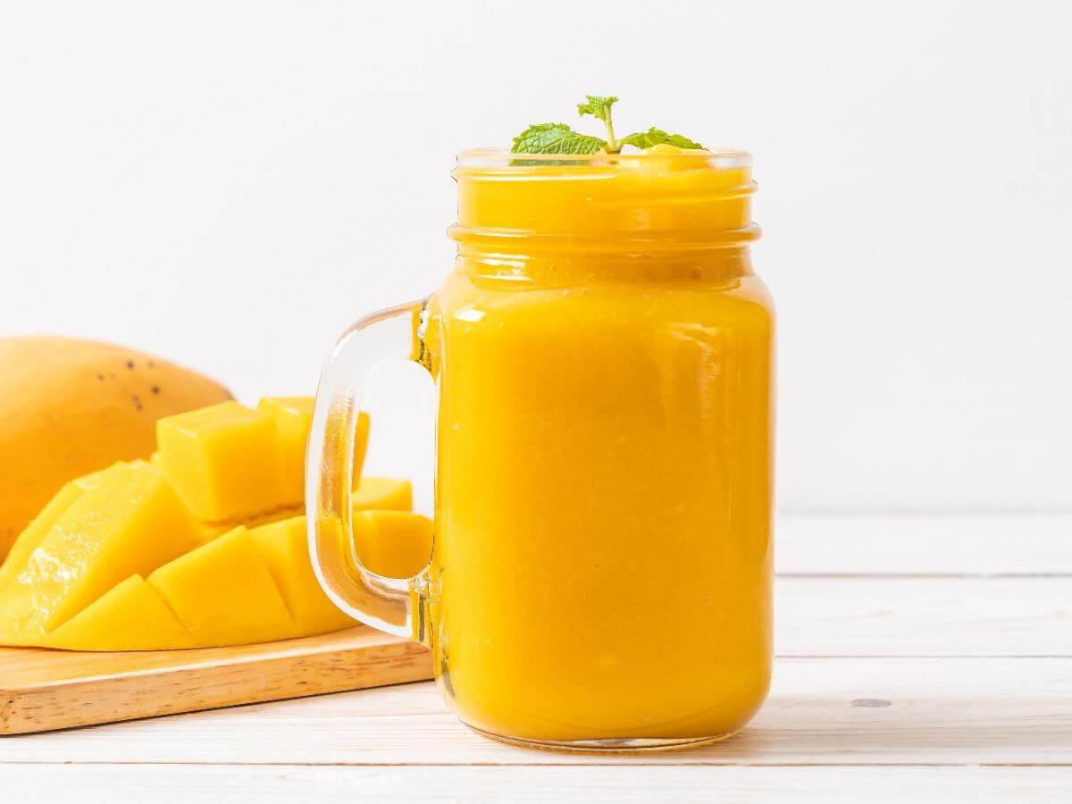 mango breakfast smoothie with quail eggs
